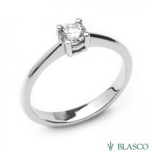 Solitario de compromiso en oro blanco y diamante talla brillante. R5720