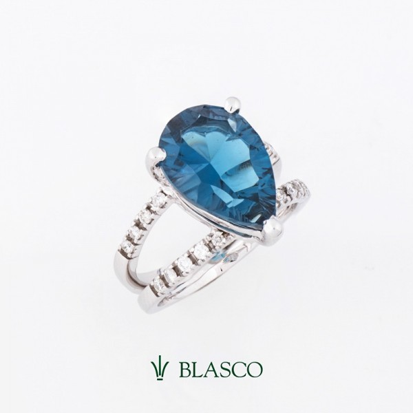 sortija-oro-blanco-diamantes-y-topacio-azul-london-blue