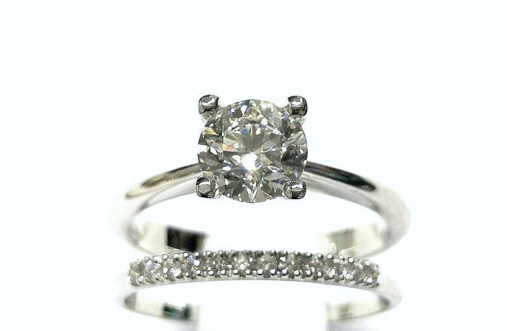 Historia del anillo de compromiso o pedida