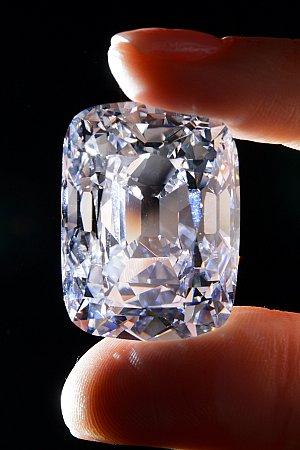 Vendido un diamante en Ginebra por 18 millones de euros