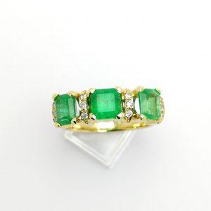 Anillo tresillo de esemraldas, anillo esmeraldas, anillo pedida, esmeraldas, blasco joyero. taller de joyeria en murcia, joyeria en murcia, blasco joyero