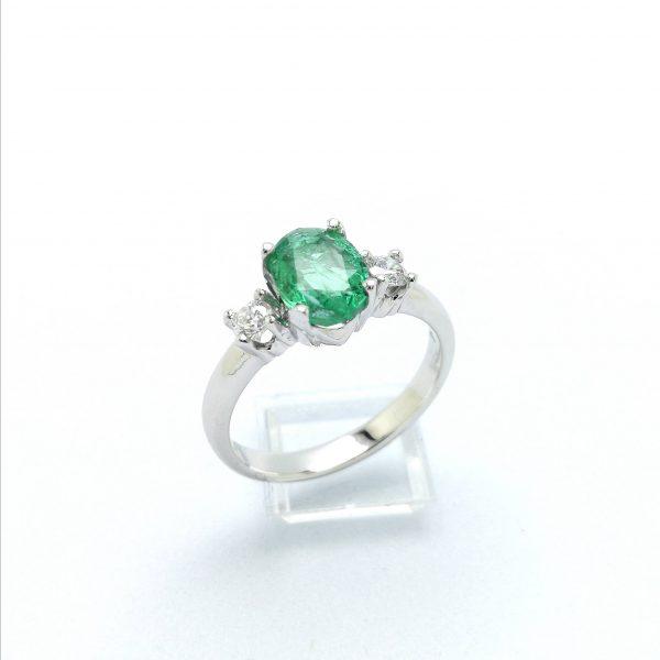 Anillo esmeralda y diamantes, esmeralda, sortija esmeralda, anillo pedida, joyeria en murcia, taller de joyeria en murcia, murcia, blasco joyero
