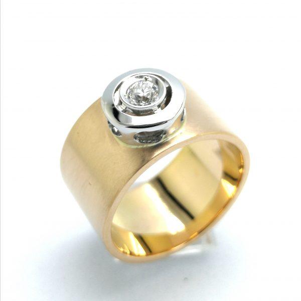 anillo moderno oro rosa suave ancho, anillo ancho oro, anillo pedida, anillo novia, anillo diamante moderno, joyerias en murcia, joyeria en murcia, taller de joyeria en murcia, murcia, blasco joyero